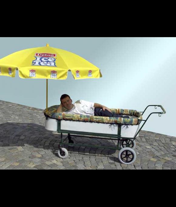 Kočárek na převážení ležících pacientů s individuální úpravou